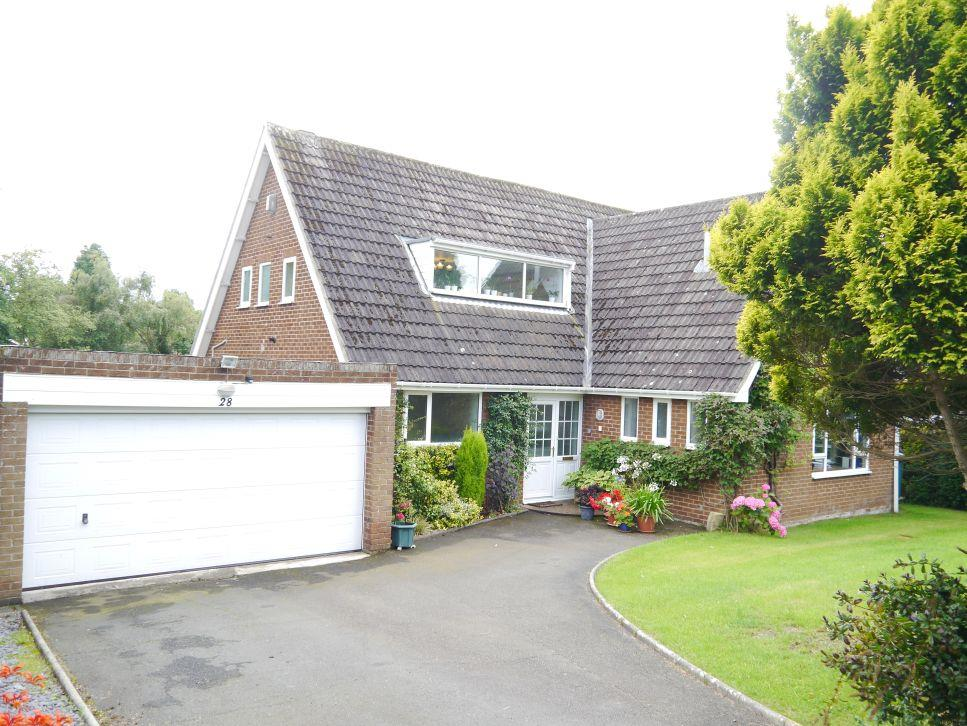 4 Bedrooms Detached House for sale in Stonehaugh Way, Darras Hall